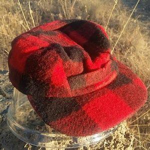 Kids Columbia Sportswear / Woolrich wool cap. S/M